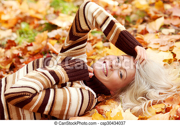 otoño sale, mujer - csp30434037