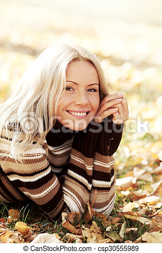 otoño sale, mujer - csp30555989