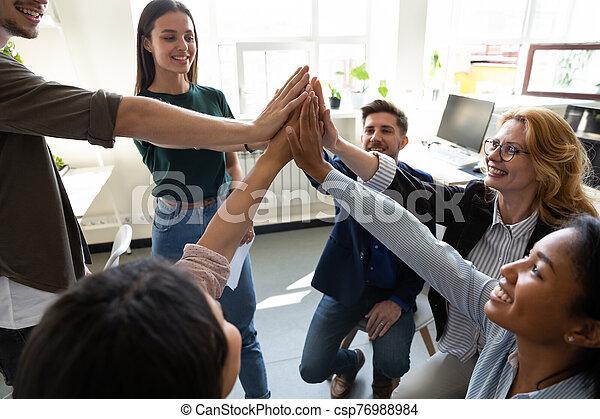 otro, dar, alto, felicitar, corporativo, cada, logro, personal, cinco - csp76988984