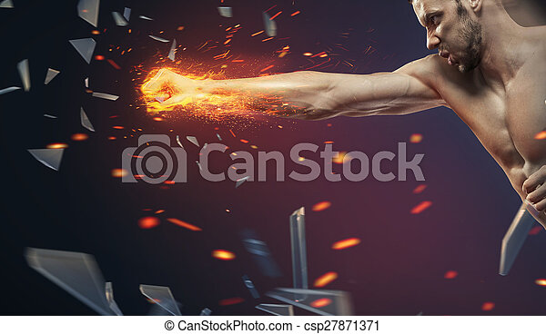 Un gerente ambicioso aplastando otra barrera - csp27871371