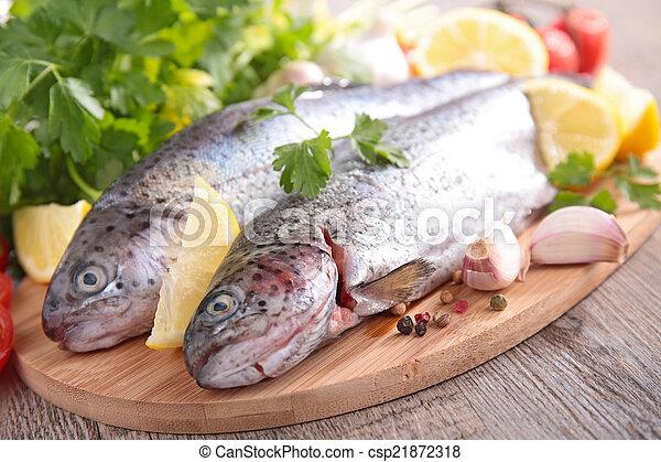 otrzyjcie skórę rybę - csp21872318