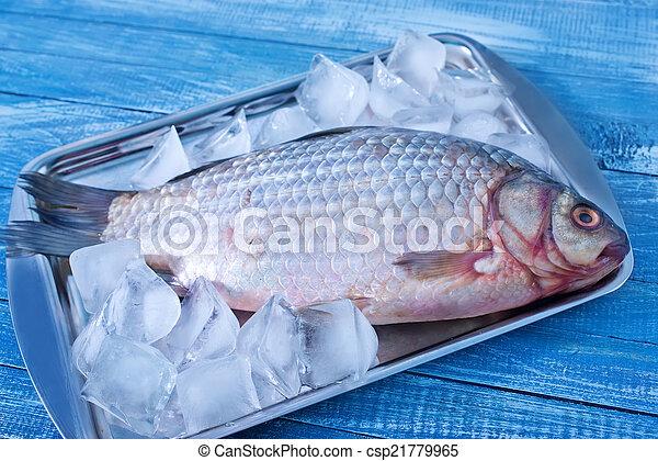 otrzyjcie skórę rybę - csp21779965