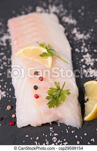 otrzyjcie skórę rybę - csp29599154