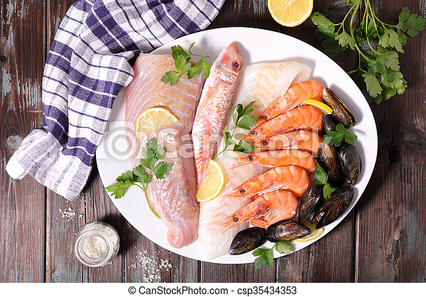 otrzyjcie skórę rybę - csp35434353