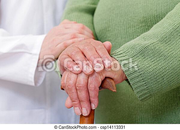 otthon, öregedő törődik - csp14113331