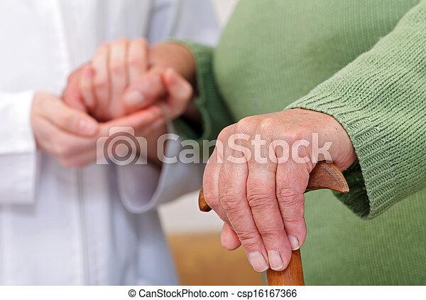 otthon, öregedő törődik - csp16167366