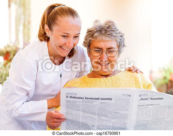 otthon, öregedő törődik - csp16793951