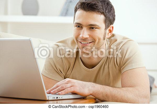 otthon, laptop, ember, használ - csp1960460