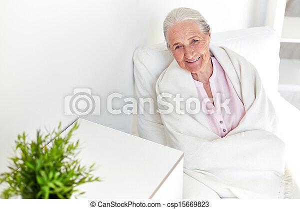 otthon, nő, öregedő - csp15669823