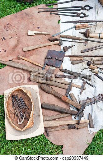 oud, gereedschap - csp20337449