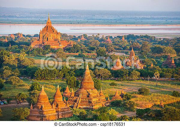 oud, myanmar, hoogte, bagan, pagodas, balloon - csp18176531
