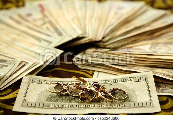ouro, dólar, notas, anéis, toalha de mesa, sobre - csp2348606