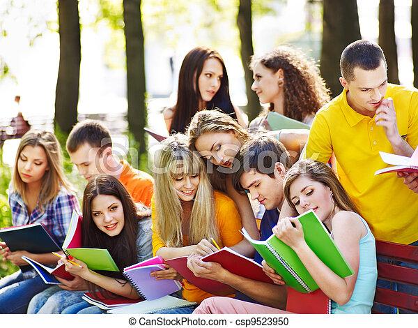 outdoor., ノート, グループ, 学生 - csp9523950