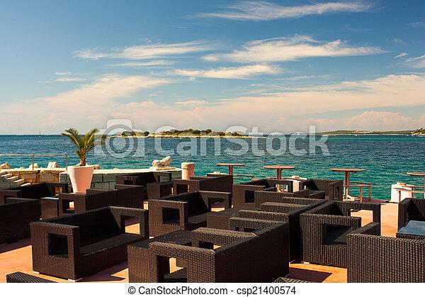 Outdoor restaurant - csp21400574