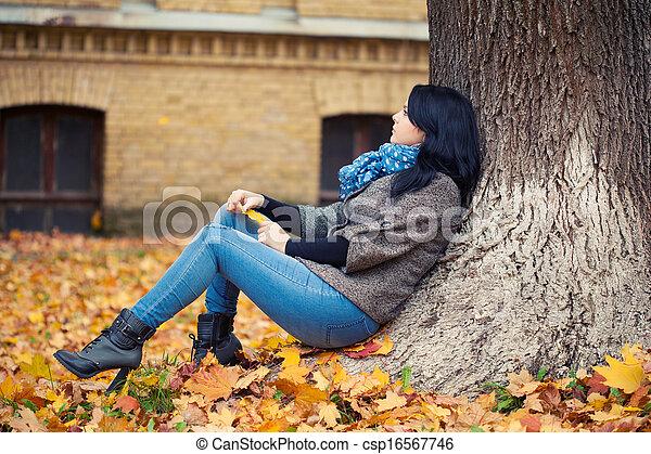 outono, mulher, parque, jovem, bonito - csp16567746