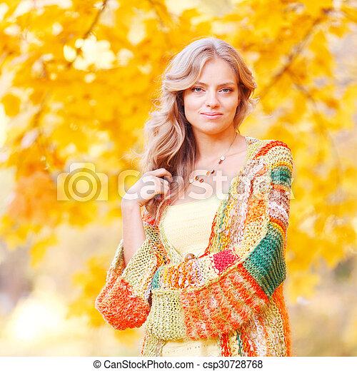 outono, mulher, parque, loura - csp30728768