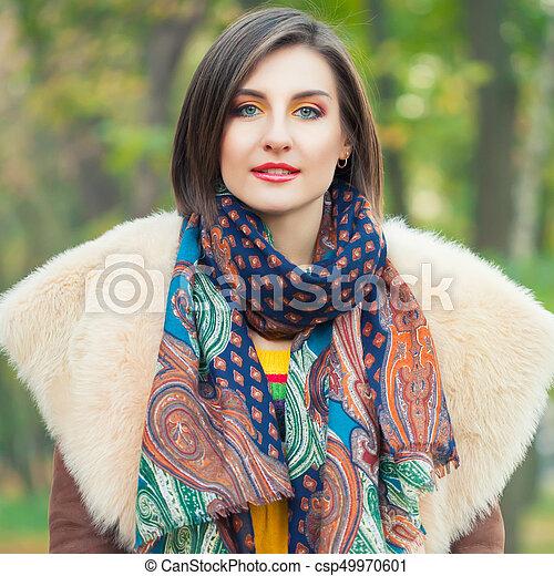 outono, posar, mulher, parque, jovem - csp49970601