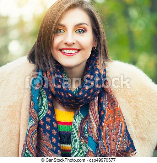 outono, posar, mulher, parque, jovem - csp49970577