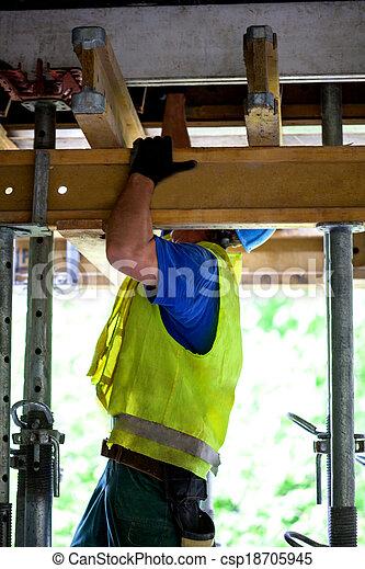 ouvrier construction - csp18705945
