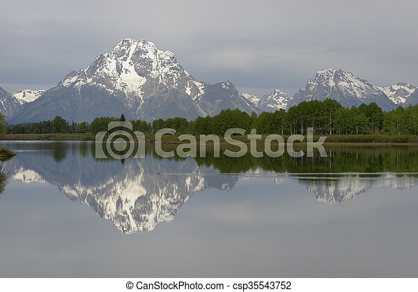 Oxbow Bend in early morning light, Grand Teton National Park - csp35543752