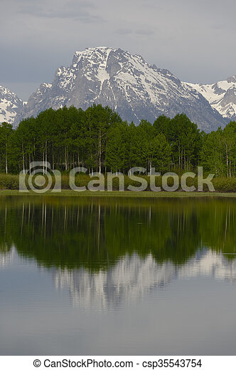 Oxbow Bend in early morning light, Grand Teton National Park - csp35543754