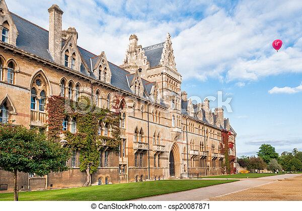 La universidad de Christ Church Oxford - csp20087871