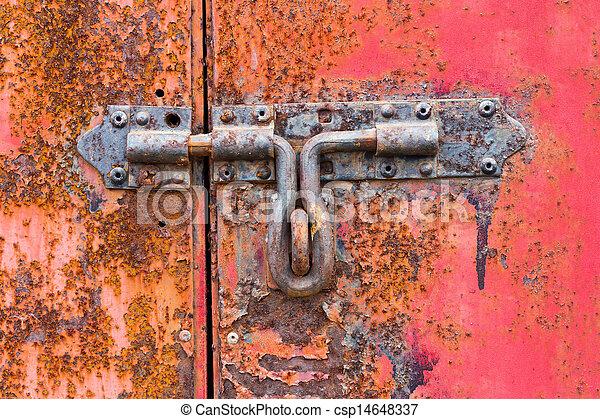 Un cerrojo oxidado - csp14648337