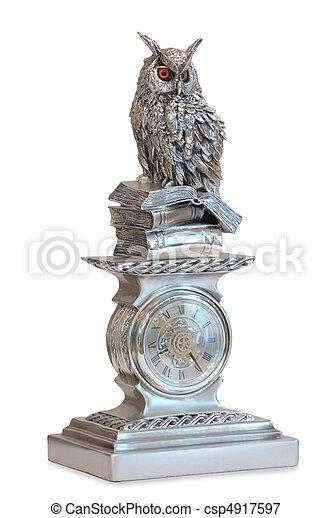 Estatuilla de pájaro - csp4917597