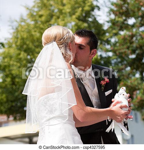 párosít, kéz, galamb, esküvő - csp4327595