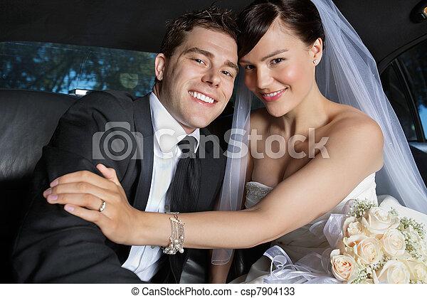 párosít, newlywed, boldog - csp7904133