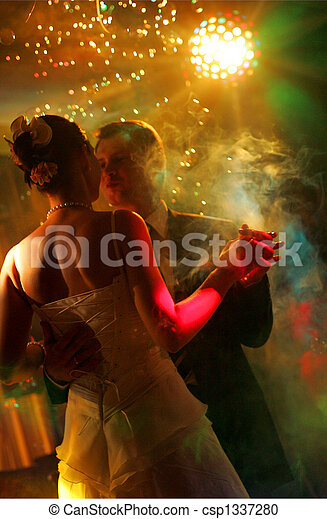 párosít, newlywed, tánc - csp1337280