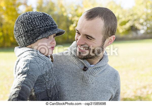 père, fils, automne, park., portrait, heureux - csp31585698