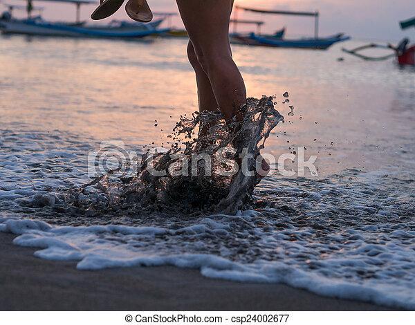 pé, mulher, praia - csp24002677