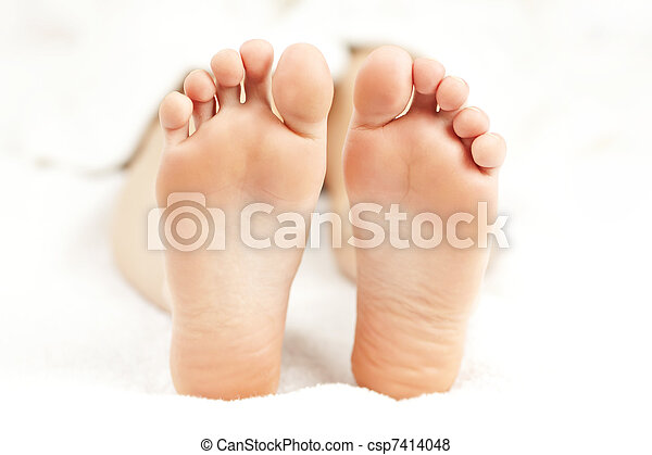 pés, relaxado, nu - csp7414048