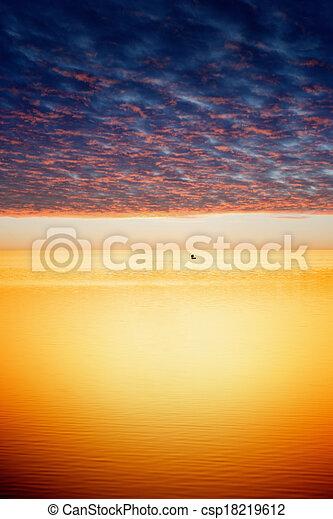 pôr do sol, calmo - csp18219612