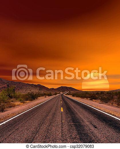 pôr do sol, estrada - csp32079083