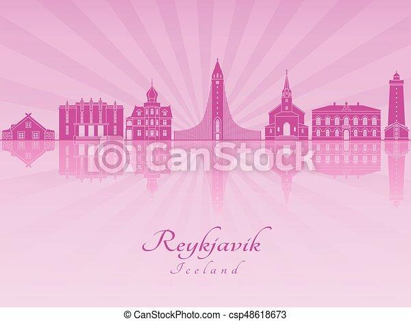 El horizonte de Reykjavik en orquídea púrpura radiante - csp48618673