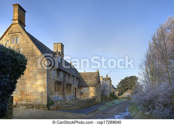 La casa de campo Cotswold en invierno - csp17289640