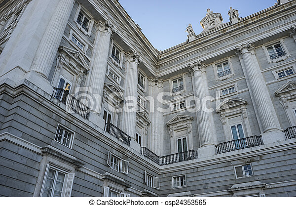 pałac, madryt, królewskie miejsce zamieszkania, królowie, hiszpania, dawny - csp24353565