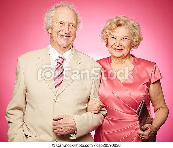 paar, gepensioneerd - csp20590036