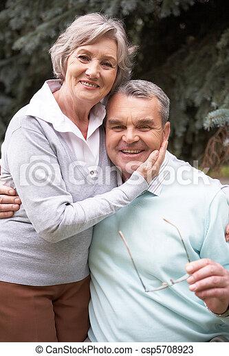 paar, gepensioneerd - csp5708923