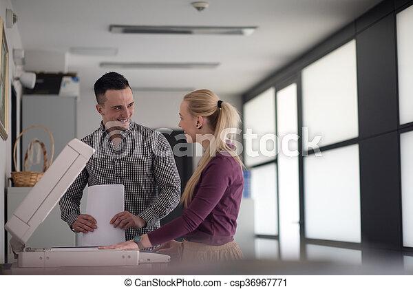 paar, kopie, documenten, zakelijk - csp36967771