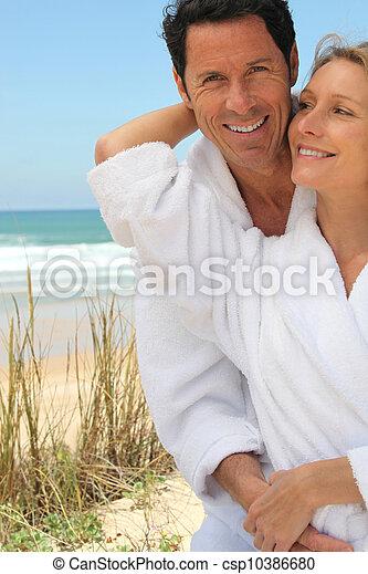 paar, romantische, ontsnapping - csp10386680