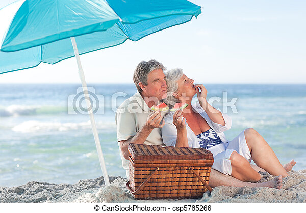 paar, sandstrand, senioren, picniking - csp5785266