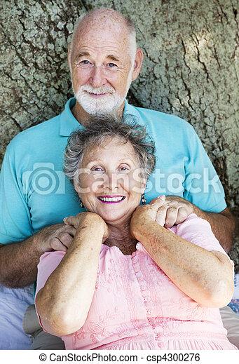 paar, senior, ontspant - csp4300276