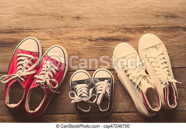 Boden Boden Boden Legen Legen Legen Legen Holzern Drei Paare Schuhe