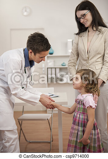 paciente, mano, pediatra, niño, niña, sacudida - csp9714000