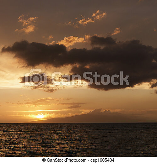 Pacific ocean at sunset - csp1605404