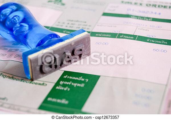 paid stamp on cash receipt - csp12673357