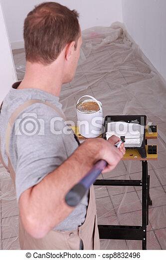 Painter - csp8832496